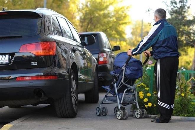 Когда разрешена парковка на тротуаре?
