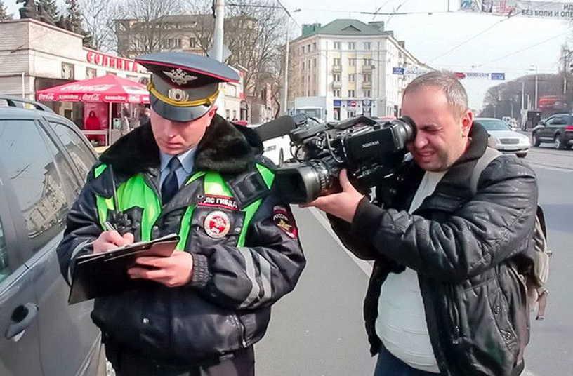 Снимать на видео инспектора ГИБДД